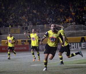 Carlos Escobar festeja su tanto, que a la postre le otorgaría los 3 puntos a San Luis